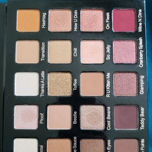 Violet Voss Pro HG eyeshadow palette